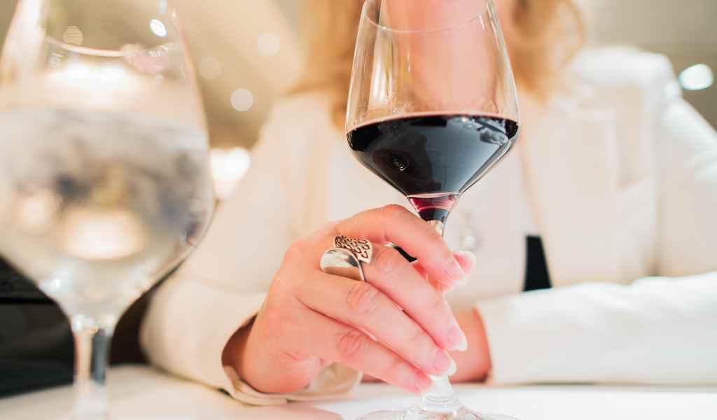 Лечение женского алкоголизма в Белоомуте анонимно